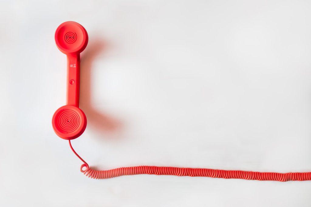 Téléphone : nous sommes là pour vous aider